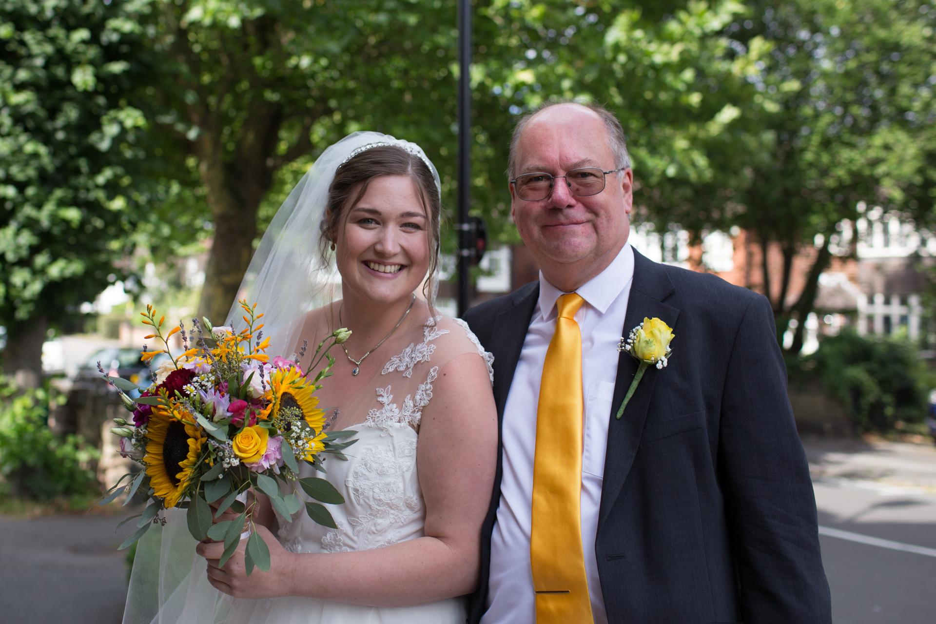 Bruid Sarah met haar vader